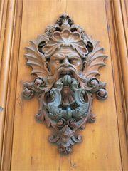 Door Knocker in Florence, Italy Window Handles, Knobs And Handles, Door Handles, Antique Door Knockers, Door Knobs And Knockers, Cool Doors, Unique Doors, Italian Doors, Doors