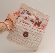 Mia Amor Crochet Clutch