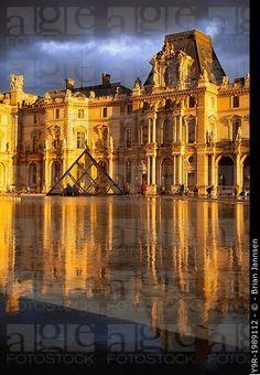 Sunlight and reflections at Musse du Louvre, Paris France.