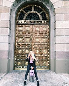 М#сумка #рюкзак #графея #лето #весна #мода #блог #рюкзачок #стиль #фото #grafea #style #fashion #backpacks #streetstyle #мордуспряталакомплексы #vscocam #обожекакаядверь #grafea #dolcegabbana #такиеногиногидаютсялишьнемногим #vsco #barcelona #spain #mytravelgram #vacation