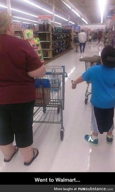 U cant controll ur own kid so u have to put him in handcuffs just to go to the store  YOU ARE PATHETIC!
