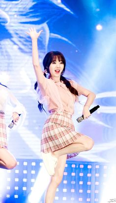 Kpop Girl Groups, Korean Girl Groups, Kpop Girls, Lovelyz Kei, Pig Family, Lee Soo, K Pop Music, Woollim Entertainment, Sweet Girls