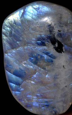 Moonstone - http://www.gemcoach.com/moonstone-guide/