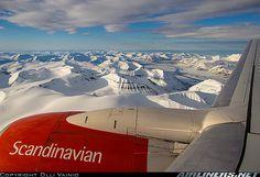 SAS 737 // Approaching Longyearbyen Svalbard...at midnight!