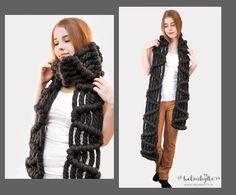 DIY macrame scarf, easy tutorial with  instructions and photos https://www.helmihytti.fi/2018/05/diy-macrame-huivi.html     makrame fashion boho clothes handmade scarf thick soft thread a double half hitch knot