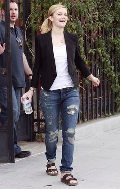 7a7d60926c3 A Happy Drew Barrymore Leaving A Studio In Hollywood