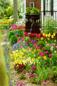 Beautiful Spring garden in Williamsburg ~ Bed and Breakfast | An exquisite inn with charm and traditional elegance