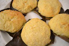 Libum - römischer Opferkuchen - Nachdem die vitellianischen Erbsen aus der römischen Küche so gut waren, mußte ich gleich noch ein Rezept ausprobieren. Libum ist eigentlich weder Brot noch Kuchen, schmeckt aber ausgezeichnet. Warm oder kalt, als Jausenweckerl zu Obst oder Nüssen zu genießen.