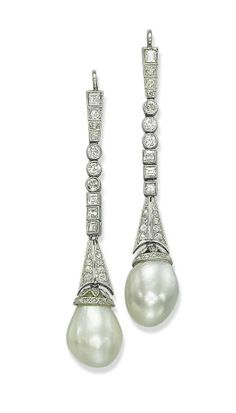 Belle Époque Natural Pearl and Diamond Ear Pendants. Each with a drop-shaped natural pearl, with diamond-set cap, suspended from a square and circular-cut diamond collet line, cm Edwardian Jewelry, Antique Jewelry, Vintage Jewelry, Pearl Jewelry, Fine Jewelry, Pearl Earrings, Diamond Earing, Diamond Brooch, Pearl Diamond