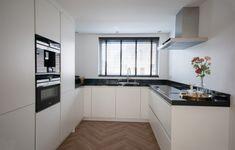 Open Plan Kitchen Living Room, Kitchen Room Design, Modern Kitchen Design, Home Decor Kitchen, Interior Design Kitchen, Kitchen Cabinets Pictures, Küchen Design, Mini Kitchen, Design Of Kitchen