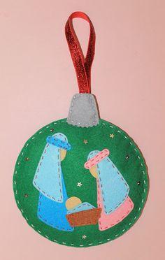 nacimiento-fieltro-navidad Christmas Decorations Sewing, Fabric Christmas Ornaments, Christmas Applique, Christmas Tree Cards, Felt Ornaments, Christmas Angels, Felt Crafts, Diy And Crafts, Christmas Crafts