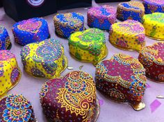 Gorgeous henna inspired cakes for an Indian wedding (gay or straight!) vis EnGAYged
