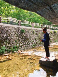 Here's a picture of Jin catching a fish for you Seokjin, Bts Jin, Bts Bangtan Boy, Genre Musical, Kpop, Worldwide Handsome, Bts Photo, Namjin, Bts Members