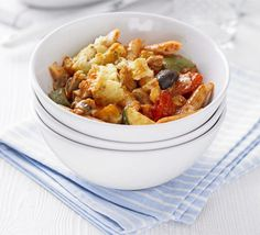 This sort of family meal is well worth making in bulk so you can eat one now and freeze the rest for later, from BBC Good Food magazine. Baked Pasta Recipes, Veggie Recipes, Vegetarian Recipes, Veggie Meals, Vegetarian Dinners, Tomato Pasta Bake, Spinach Pasta Bake, Meat Diet, Pasta Recipes
