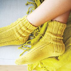 Knitting pattern: Weekend socks  free pattern  worsted weight - would make a quick gift
