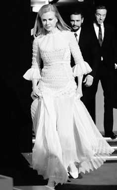 Vash, Nicole Kidman, Envy, Couture, Chic, Classic, How To Wear, Clothes, Fashion