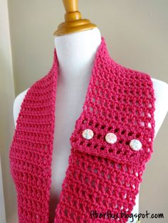 This crochet scarf is beautiful in its simplicity. It would make a fabulous crochet cowl as well. Honolulu Button Scarflette - Media - Crochet Me