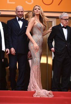 Aν οι λαμπερές παρουσίες του Met Gala δεν σε μάγεψαν αρκετά, ετοιμάσου για τις Κάννες. Μπορεί το φεστιβάλ να επικεντρώνεται στον κόσμο του κινηματογράφου αλλά για τους λάτρεις της μόδας όλη η προσοχή στρέφεται στις εμφανίσεις του κόκκινου χαλιού. Σκέψου τους stars των Oscars με λάμψη Met Gala. Από τη Blake Lively στη Julianne Moore αυτές είναι οι πιο καλοντυμένες της Γαλλικής Ριβιέρας ως τώρα.