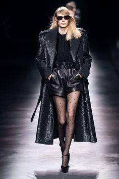 Saint Laurent Fall 2019 Ready-to-Wear Fashion Show - Vogue Fashion Week, Fashion 2020, Runway Fashion, Fashion Brands, High Fashion, Fashion Outfits, Womens Fashion, Saint Laurent, Style Haute Couture
