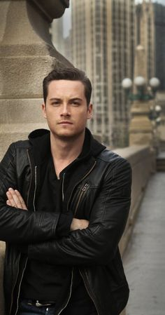 Jesse Lee Soffer from Chicago PD... omg so hot. BTW, @Mara Lorber he kinda looks like an older, hotter, legal version of your brother lol not in a creepy way!
