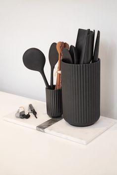 Large Marble Tray - White/Black – The Line Diy Kitchen Storage, Kitchen Items, Home Decor Kitchen, Kitchen Organization, Kitchen Tools, Kitchen Gadgets, Kitchen Interior, Black Kitchen Decor, Kitchen Tray