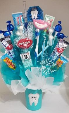 DENTIST Candy Bouquet – Perfect for Dentist – Dental Hygienist – Assistant – Office Staff – Grad – Thank You or Birthday - Todo Sobre La Salud Bucal Dental Assistant, Dental Hygienist, Dental Implants, Grad Party Centerpieces, Staff Gifts, Gifts For Office Staff, Gifts For Dentist, Dental Art, Candy Bouquet