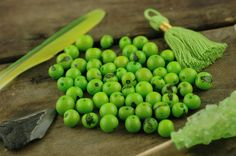 Granny Smith: Real, Natural Acai Beads / South American Eco- Beads / 10mm, 100 beads / Lime Green, Round, Large Hole / Jewelry Making Supply