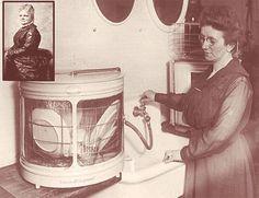 """Josephine Cochrane (1839 - 1913); 1886'da Shelbyville, Illinois'de ilk pratik bulaşık makinesini yapan kadın. 1893'te Chicago'daki Dünya Kolomb Fuarı'nda icadını göstedi ve """"çalışabilirliğindeki dayanıklılık ve uyumda en iyi mekanik yapım"""" ödülünü kazandı."""