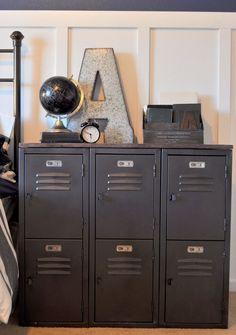 Influencés par la tendance (et par les plus grands !), les petits mecs rêvent de plus en plus d'avoir une super chambre au look industriel.