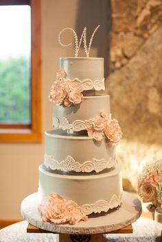 Wedding Cakes  :     Picture    Description  Wedding cake idea; Featured Photographer: Jennifer Weems Photography    - #Cake https://weddinglande.com/planning/cake/wedding-cakes-wedding-cake-idea-featured-photographer-jennifer-weems-photography/