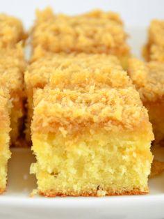 Dänischer Traumkuchen (Drømmekage) Buttermilchrührteig mit Karamell- Kokosflocken-Guss