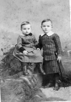 Harry S. Truman (right) at age 4, with his younger brother, J. Vivian Truman, 1888.