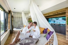 Pure Entspannung im Hotel Winzer in Oberösterreich!  #leadingsparesorts #leadingspa #wellness #wellnesshotel #wellnessurlaub #urlaub #kuschel #kuschelhotel #oberösterreich #umbau #neu #spahotel #spa #beauty #romantik Hotel Winzer, Spa Hotel, Outdoor Furniture, Outdoor Decor, Toddler Bed, Beauty, Home Decor, Cuddling, Child Bed