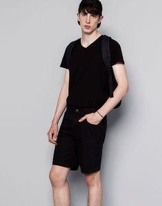 https://www.pullandbear.com/nl/heren/sale/kleding/t-shirts/basic-t-shirt-met-v-hals-c29070p500360006.html?NEWCOLLECTION