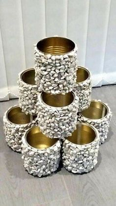 How to assemble flower tower – home decor diy – Garden Projects Diy Home Decor Projects, Diy Home Crafts, Diy Garden Decor, Garden Crafts, Garden Projects, Garden Art, Garden Design, Decor Crafts, Home Decoration