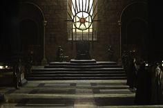 """The Iron Throne Room from """"Game of Thrones. King On Throne, Throne Room, Iron Throne, Casa Targaryen, Casa Stark, Entertainment Jobs, Game Of Thrones King, Game Of Thrones Locations, King's Landing"""