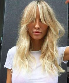 Brunette Balayage for Thick Hair - 50 Cute Long Layered Haircuts with Bangs 2019 - The Trending Hairstyle Thin Hair Bangs, Short Hair With Bangs, Haircuts With Bangs, Wavy Hair, Short Hair Cuts, New Hair, Bang Haircuts, Long Bangs, Choppy Bangs