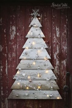 DIY decoration ideas - to design the garden for Christmas- DIY decoration ideas – to make the garden for Christmas, Christmas decoration from a wooden pallet, Europalette-Christmas tree tinker with fairy lights and Christmas decorations - Pallet Christmas Tree, Noel Christmas, Rustic Christmas, Winter Christmas, Christmas Ornaments, Spanish Christmas, Silver Ornaments, Christmas 2019, Xmas Trees