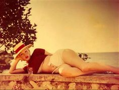 Rare photo of Marilyn Monroe photographed in May 1957 in Amagansett, Long Island by Sam Shaw