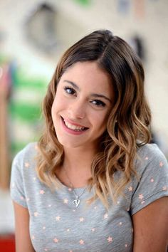 martina stoessel volver at DuckDuckGo Celebrity Couples, Celebrity News, Violetta And Leon, Freak Music, Short Hairstyles For Women, Disney Channel, Stranger Things, Pretty Woman, Her Hair