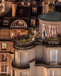 Exterior Design, Interior And Exterior, Mexican Hacienda, Dream Apartment, Parisian Apartment, Apartment Goals, City Aesthetic, My Dream Home, Future House