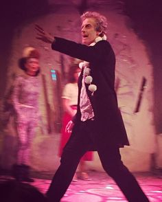 Dr Who turned up at Panto in his Tardis #petercapaldi
