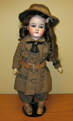 Beautiful vintage Girl Scout doll!!