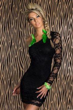 http://www.a-moda.cz/damske-saty/asymetricke-jednoramenne-minisaty-z-jemne-krajky---cerne/