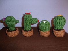 Cactus   #handmade #ganchillo #crochet #cactus   Patrones: Cactus morado: http://www.patronesamigurumi.org/patrones-gratuitos/flores/cactus-alfiletero/ Cactus rojo: http://elfluvsdwarf.blogspot.com.es/2010/07/crochet-cactus-garden-free-pattern.html Cactus azul y blanco: http://iogurumi.it/wp-content/uploads/2014/12/Amigurumi_cactus_2_iogurumi_es.pdf Cactus amarillo: http://elfluvsdwarf.blogspot.com.es/2010/07/crochet-cactus-garden-free-pattern.html   https://www.facebook.com/ovilladan