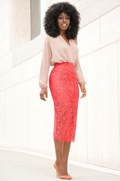 Lace Pencil Dress Zara - The Lace apparel has fallen in and out of favor with several women due to poor quality, scratchy Classy Work Outfits, Classy Dress, Chic Outfits, Dress Outfits, Fashion Dresses, Office Outfits, Pencil Skirt Casual, Pencil Skirt Outfits, Lace Pencil Skirts