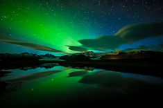 Rare views of the aurora borealis Clear Night Sky, Starry Night Sky, Night Skies, Sky Night, Northern Lights Iceland, See The Northern Lights, Aurora Borealis, Photo Ciel, Lenticular Clouds