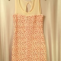 Free People Dress Perfect for a spring picnic! This dress is made from 95% polyester and 5% spandex it is also lined with 100% polyester. Free People Dresses