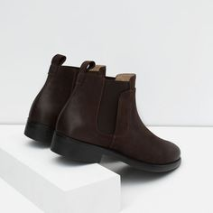 LEATHER CHELSEA BOOTS from Zara