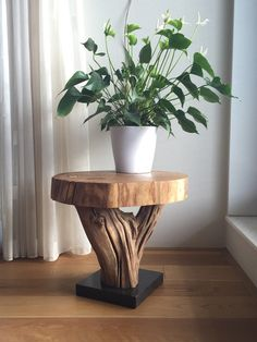 Special and unique side table made of a piece old weathered oak branch. Driftwood Furniture, Ikea Furniture, Wooden Furniture, Furniture Projects, Antique Furniture, Furniture Cleaning, Outdoor Furniture, Furniture Online, Furniture Stores